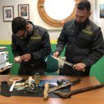 Porto di Palermo, la GdF sequestra armi e droga a un cittadino svizzero